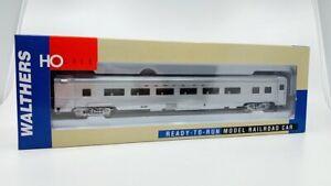 Walthers 932-6305 HO Santa Fe 85' Budd 46-Seat Coach LN/Box