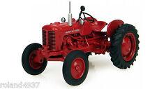 Valmet 33 Diesel Tractor 1:43 Die-Cast Universal Hobbies UH6097