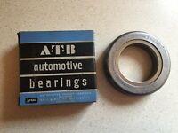 Vintage Aetna Ball & Roller Bearing Co ATB Automotive Thrust Bearings AT-52