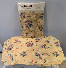 """Nip Fortunoff Hollies And Berries Christmas Tablecloth 60"""" x 104"""" w 6 Placemats"""