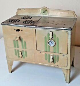 Vintage Childs Electric Toy Stove Green Tan Kingston Products 312 Silver Top