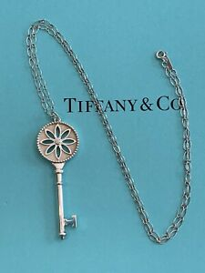 Tiffany & Co Daisy Key In Sterling Silver With A Diamond, Extra Large, 24 Inch C