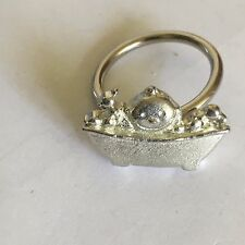 Baby Bath Time TG90 Fine English Pewter on a Scarf Ring