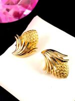 PERFECT FOR FALL VINTAGE 60'S CROWN TRIFARI GOLD-TONE ACORN FLORAL CLIP EARRINGS