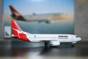Dragon Wings 1:400 Qantas Boeing 737-300 VH-TAK (55097) Die-Cast Model Plane