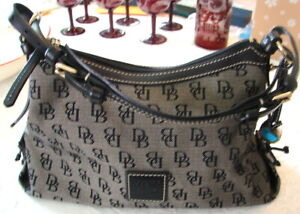 DOONEY AND BOURKE 1975 GRAY AND BLACK HAND BAG