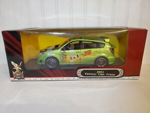 Road Signature 2003 Pontiac Vibe GT-R Tuner 1:18 Scale Diecast Model Car