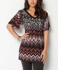 JANTIE DESIGN Black & Red Zigzag Amara V-Neck Tunic Top Sz MEDIUM 8-10 NEW!