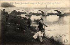 CPA  Tours - L'ouverture de la péche -Le Cher et le pont de la ligne...(229683)