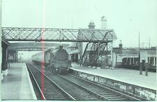 Pen-y-groes Station Caernarvon 1962 42446 London Train repro photo postcard