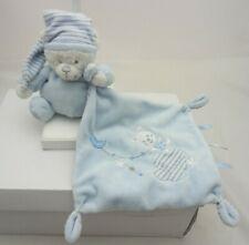 Max & Sax doudou velours bleu ours avec mouchoir brodé 19 cm carré 15 cm ours