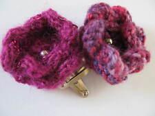 Deux tricoté à la main Cheveux Fleur Clips: Rose Multi/rose avec paillettes