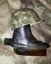 US Army Vietnam boots + tête casquée vintage LCR Bottle 1975 James Bean