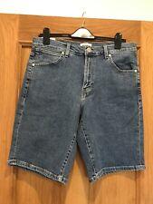 BNWT Men's Wrangler Blue Denim Shorts Size 32