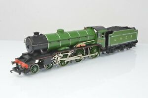 Hornby OO Gauge - LNER B17 4-6-0 No.2862 'Manchester United' DCC Fitted Unboxed