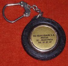 Porte-clé keychain ETS GUILLEMIN S A PNEUS 51 MAGENTA + TACOT OR