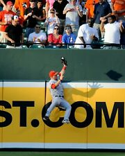 Mike Trout Los Angeles Angels UNSIGNED 8x10 PHOTO (B) The Catch