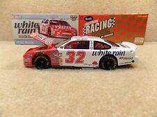 New 1998 Action 1:24 Diecast NASCAR Dale Jarrett White Rain CW HO Bank #32