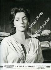 Photo 24x30cm (1963) LA MER À BOIRE Gina Lollobrigida, Jean-Paul Belmondo TBEa