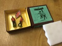 BRITAINS LIMITED EDITION SHERWOOD FORESTERS OFFICER & STANDARD BEARER RARE BOXED