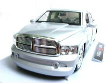Jada Dub City 2002 Dodge Ram 1/18 diecast cars