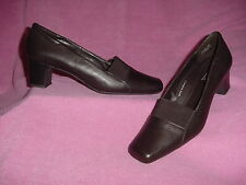 Brown Leather Pump with Elastic Band Accent by 5th Ave LX-Easy Street 12M