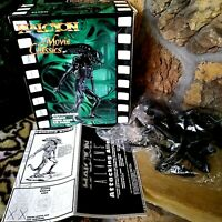 ALIENS 1994 HALCYON ATTACKING ALIEN HAL14 SEALED PLASTIC MODEL KIT, NEW, MIB