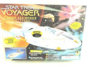 Star Trek Voyager Starship USS Voyager NCC-74656 Playmates 6479 1995 031766