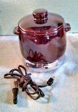 Vtg. West Bend Old Fashioned Bean Pot Crock with Warmer, Lid and Cord 1968 #3299