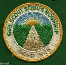 VINTAGE GIRL SCOUT 1965 GIRL SCOUT SENIOR ROUNDUP PATCH - SOILED