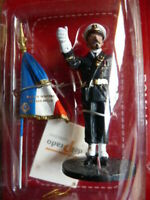 POM146U SOLDAT plomb DEL PRADO 1/32 POMPIERS MONDE Marin Marseille Drapeau 2011