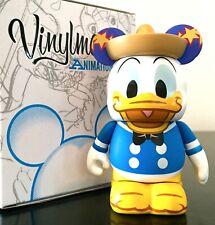 MED FIGURINE DONALD 3 Three CABALLEROS 75th Anniversary Disneyland Paris