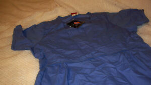 BLUE DICKIES  SCRUB TOP WITH BOAT TYPE FRONT SIZE LARGE