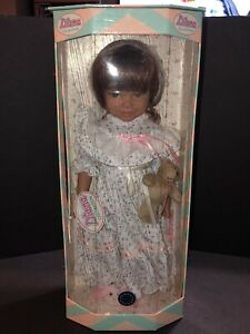 """Euro Girl the DIANA COLLECTION 18"""" vinyl Doll in Travel Trunk NRFB"""