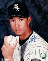 Jim Parque Signed 8X10 Photo Autograph White Sox Posing with Ball Auto w/COA