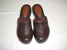 Tommy Hilfiger Libby Mules Shoes in Brown, size 6M
