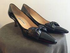 c9aaf59c3463 Manolo Blahnik black patent leather shoes w bow Kitten Heels Pointed Toe EU  41