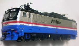 Atlas 85711 AEM7 Locomotive Amtrak #901  BRAND NEW