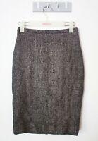 MaxMara Straight Pencil Skirt Size US 6 Grey Work Wear Corporate Back Slit