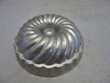 Mini vintage bundt cake pan. Jello mold