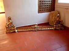 Paire de chenets aux lions,barre de foyer,garniture cheminée.Bronze doré.XIX°.