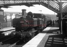 PHOTO  GWR 6426 WITH AN AUTO TRAIN WORKING AT TREDEGAR RAILWAY STATION IN 1958