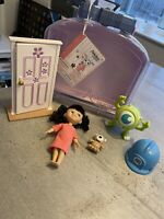 "DISNEY ANIMATORS' COLLECTION MINI DOLL 5"" BOO MONSTERS, INC PLAY SET CARRY CASE"