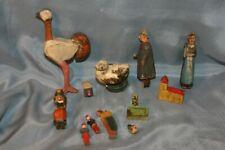 jouets anciens lot de divers jouets en bois personnages figurines etc....