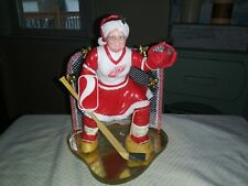 Authentic Danbury Mint Nhl Detroit Red Wing Hockey Mrs Claus Statue-New In Box!