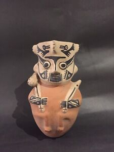 Pre columbian pottery, Huaco, sculpted vase, antique sculpture, prehispanic