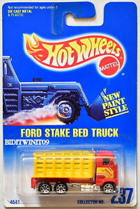 HOT WHEELS 1991 BLUE CARD FORD STAKE BED TRUCK #237 RED
