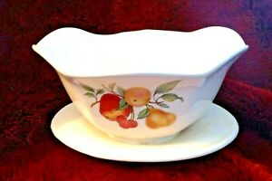 Gravy Bowl Boat With Attached Underplate Fruit Pattern