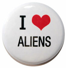 """1"""" (25mm) ' I LOVE ALIENS ' Button Badge PIn - High Quality"""