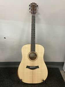 Taylor Academy 10 Acoustic Guitar - Natural